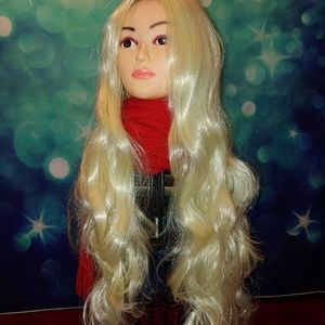 Very blond long wavy wig q t 866
